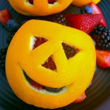Easy Orange Jack-O-Lantern Fruit Cups