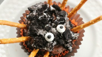 Easy Spider Cupcakes
