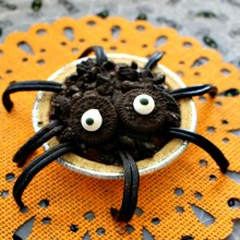 Spider Pudding Pies
