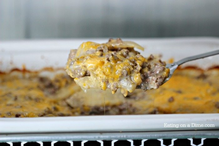 Looking for an easy crock pot recipe? This Crock pot Hamburger Potato Casserole Recipe is perfect!. It is the best easy ground beef casserole recipe.