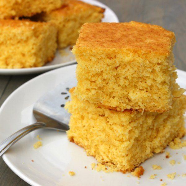 Easy Homemade Cornbread recipe - Simple
