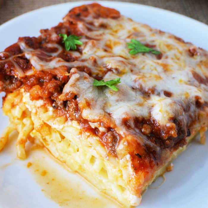 Plate with a serving of spaghetti casserole.