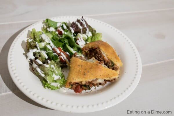 Try this Italian pie recipe for a quick and delicious meal idea! Crescent roll recipe is packed with tons of delicious meat and veggies for a flavorful meal. Italian Crescent Roll pie recipe is very simple and sure to be a hit!