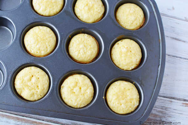 Easy Pancake Muffins Recipe is simple and delicious. Enjoy Pancake mix muffins recipe for breakfast any day of the week. They are so easy to make.