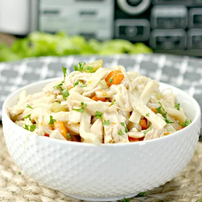 The Crock pot Chicken Noodle Soup - Easy Slow cooker Chicken
