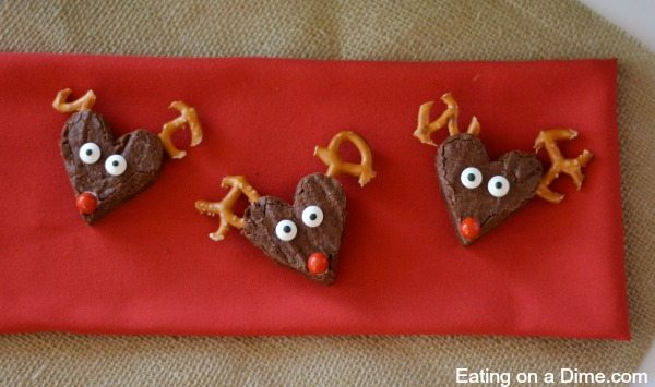 One of our favorite Christmas Treat are these reindeer brownies. Jazz up your next cookie exchange. These reindeer brownies are always a hit.