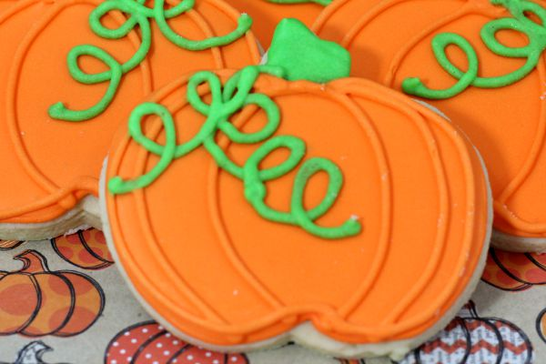 How to make and decorate these adorable pumpkin sugar cookies.Your family will love these Pumpkin Cut Out Cookies. Easy to make Pumpkin Sugar Cookie Recipe.
