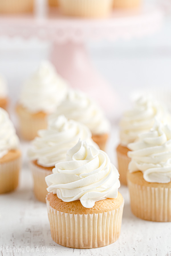 How To Make Vanilla Buttercream Frosting Eating On A Dime