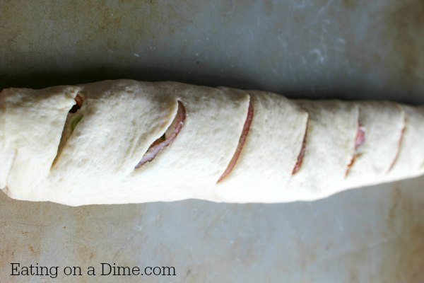 This Easy Stromboli Recipe will become an instant hit with your family! Perfect for busy nights and versatile enough that you can keep changing it up!
