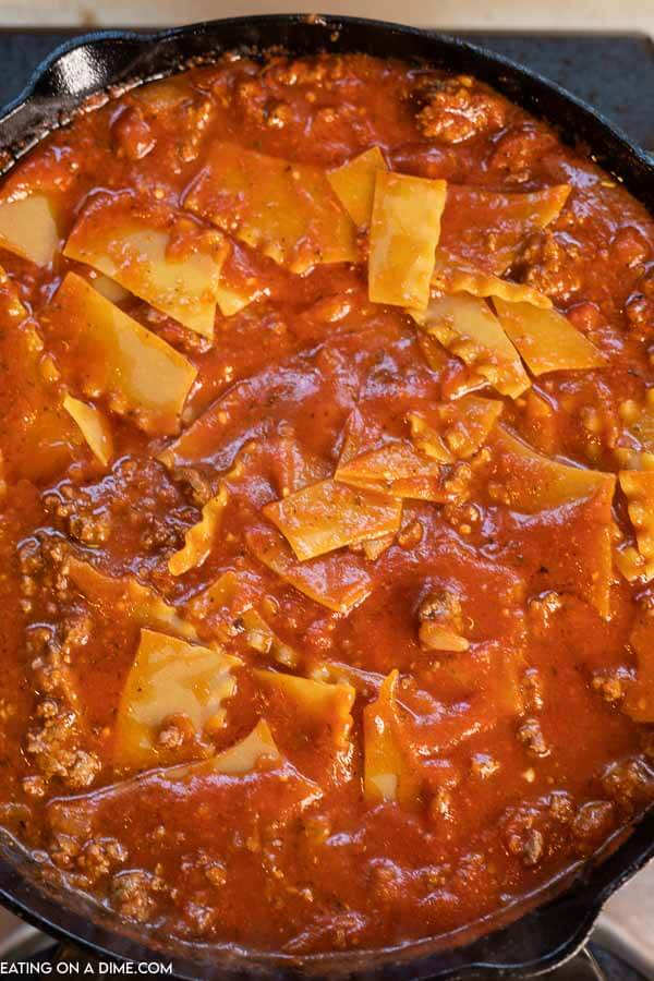 Skillet lasagna recipe is ready in under an and you only have one pan to wash. Enjoy all that you love about lasagna in this easy meal.