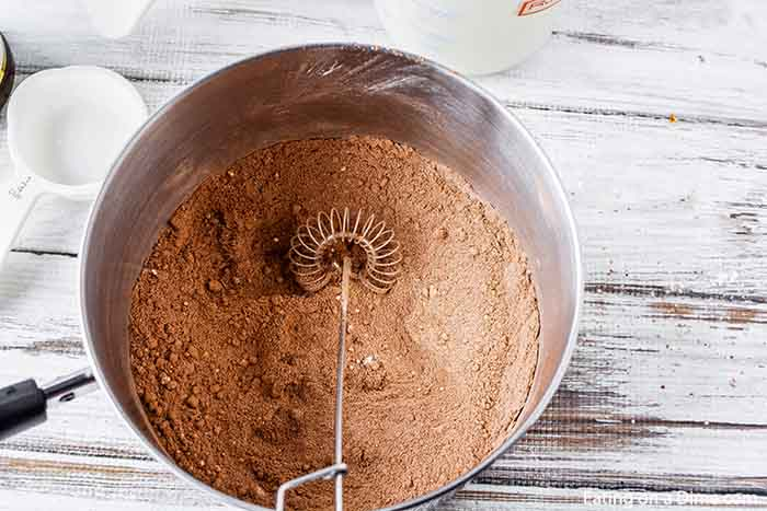 Homemade chocolate pudding is so rich and creamy for an amazing treat. It is very easy to make homemade pudding and you won't ever go back to store bought!
