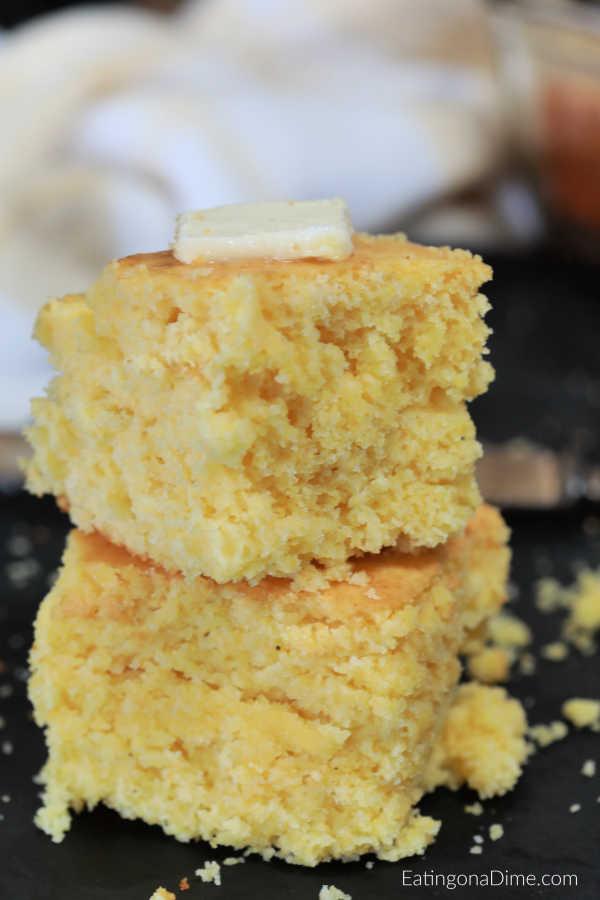 Easy Homemade Cornbread recipe - Simple Buttery Cornbread ...