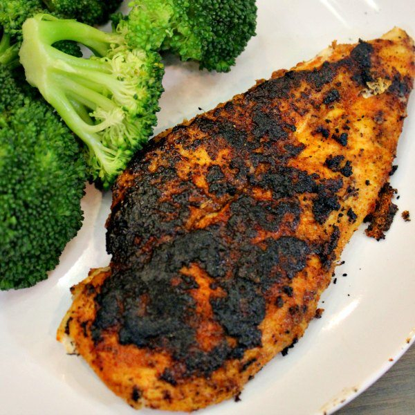 This is the best blackened chicken recipe.This quick and easy blackened chicken recipe is ready in 15 minutes making baked blackened chicken a quick dinner.