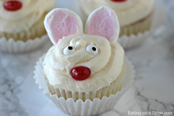 Looking for Easy Easter Cupcake Recipes? How to make bunny cupcakes in minutes! These quick and easy bunny ear cupcakes are adorable but also taste great. Our favorite Easy easter recipe!