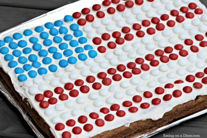 3aaac3513389 This American Flag Cookie Cake Recipe is super simple to make. It is the  best