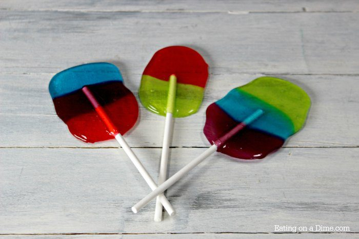 How to make homemade jolly rancher suckers. Kids love making these easy Jolly Rancher Lollipops. Try these homemade jolly rancher suckers!