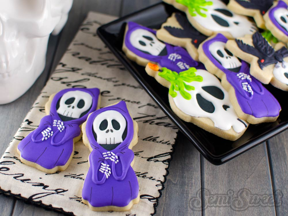Check out these easy Halloween cookie recipes for kids. 20 fun and frightening recipes that kids will love. So creative and tasty too!