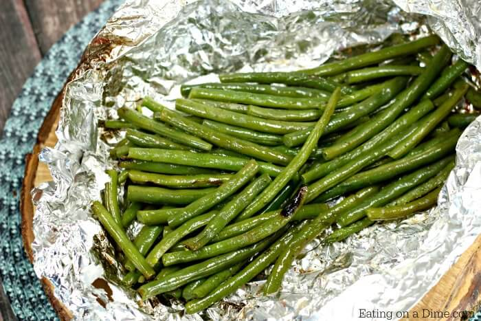 Do you need a quick side dish everyone will love? Try these tasty Grilled Green Beans. This side dish recipe is so simple and clean up is a breeze!