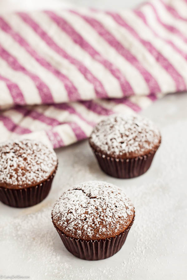 Mini Brownie Bites Recipe will be a hit with everyone! This mini brownie recipe is tasty and topped with powdered sugar. Try the best brownie bites recipe!