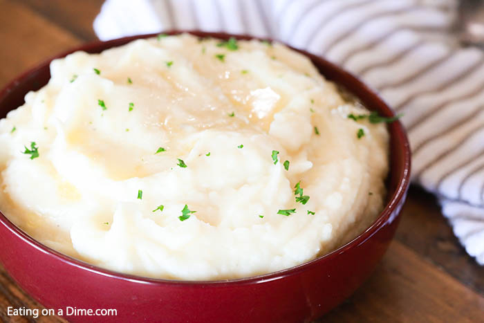 These instant pot mashed potatoes are easy. You'll love this pressure cooker mashed potatoes recipe made with russet or yukon gold. No drain is needed!