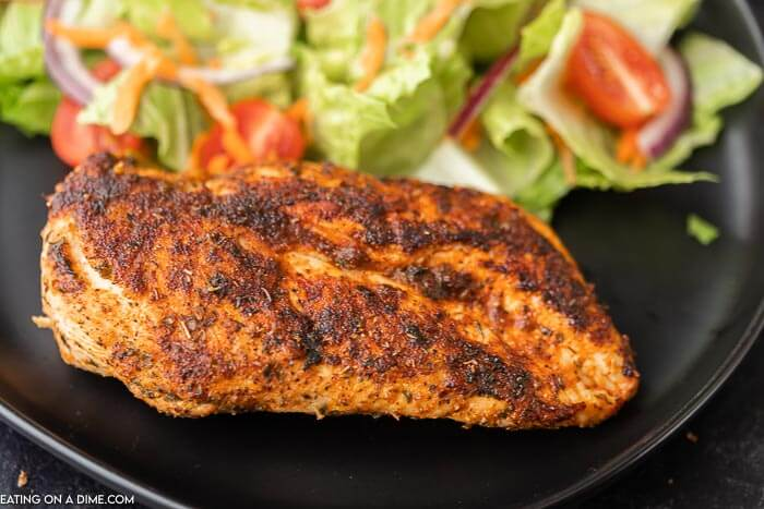 You are going to love the Best Blackened Chicken Recipe. Get dinner on the table in under 15 minutes from start to finish. So easy!