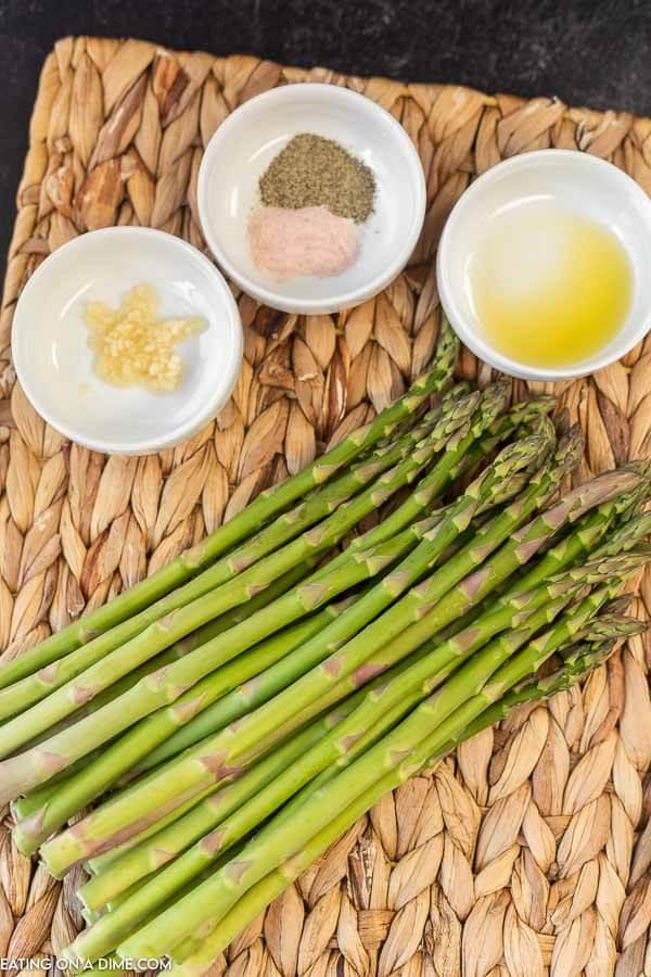 Ingredients to make Roasted Asparagus: Asparagus, Olive OIl, Salt, Pepper and Minced Garlic
