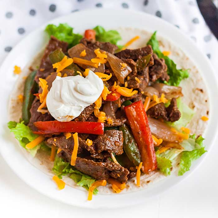 Instant pot steak fajitas recipe comes together with only 5 ingredients for a great dinner. Enjoy fajitas any night of the week thanks to the instant pot.