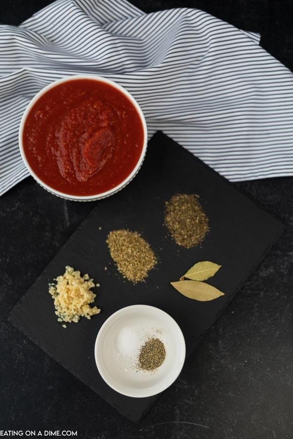 Ingredients to make homemade marinara sauce