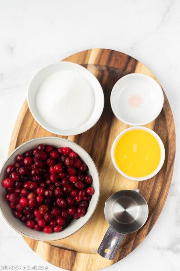 ingredients for recipe: cranberries, sugar, orange juice.